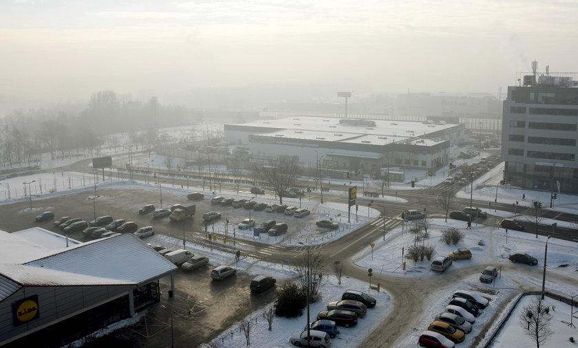 Katowice, Rybnik. Alarm smogowy. Odowłane lekcje