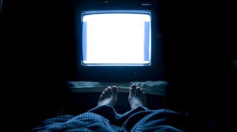 Oglądanie telewizji w nocy może nie być wcale takie złe