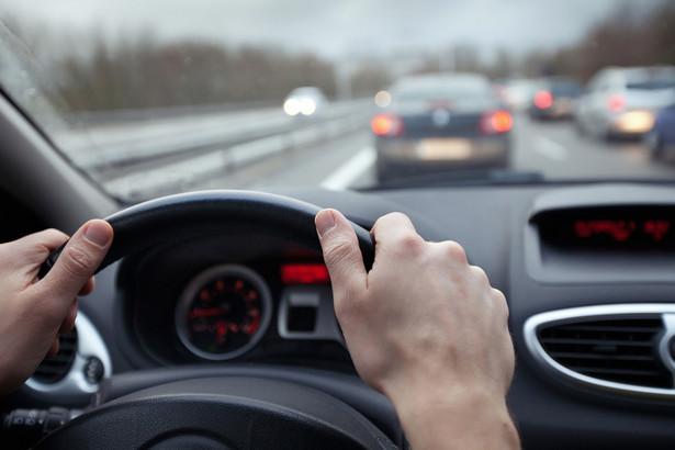 Kierowcy w stanie nietrzeźwym obligatoryjnie zapłacą od 5 do 10 tys. zł kary