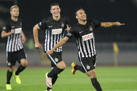 ŠOU LEONARDA Bivši fudbaler Partizana napravio dar-mar u Ligi šampiona /VIDEO/
