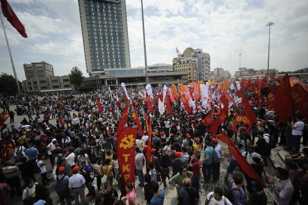 Manifestacje odbyły się w sumie w ponad 40 miastach. To pierwszy taki bunt społeczny od lat.