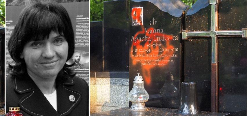 Łódź oburzona dewastacją  pomnika adwokat Joanny Agackiej-Indeckiej na Starym Cmentarzu. Jest nagroda za wskazanie sprawcy