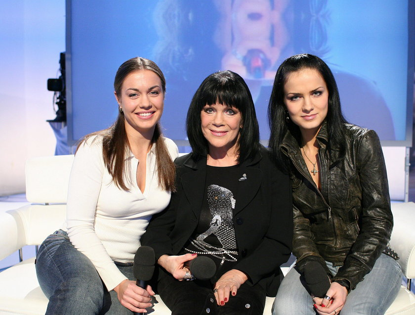 Izabella Skrybant - Dziewiątkowska z córkami