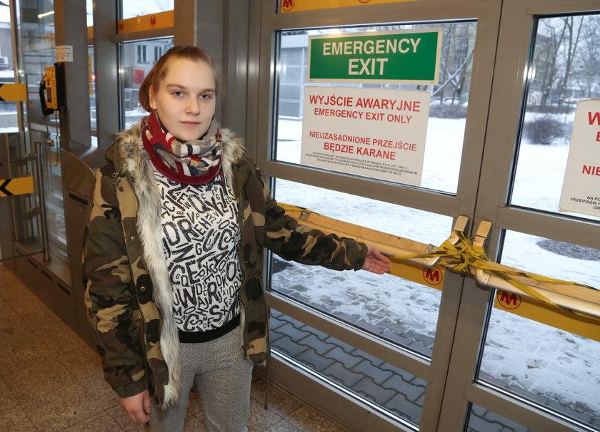 Groza na stacji metra. Zablokowali wyjście ewakuacyjne