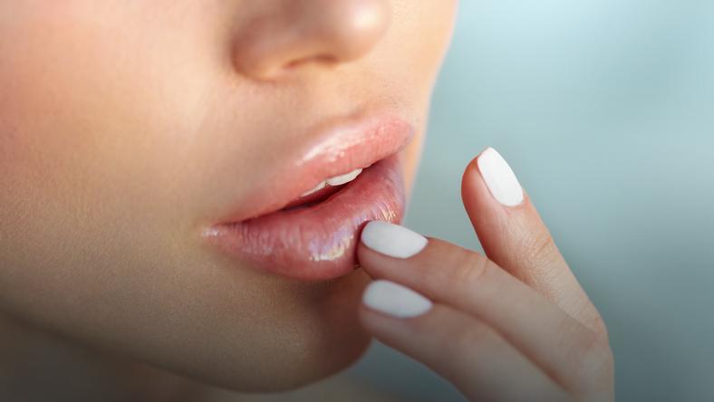 Szybkie sposoby na całuśne usta