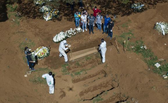 Sahrane preminulih od korone u Brazilu