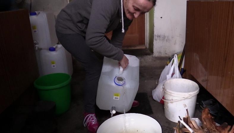 W domu pani Emilii nie ma bieżącej wody