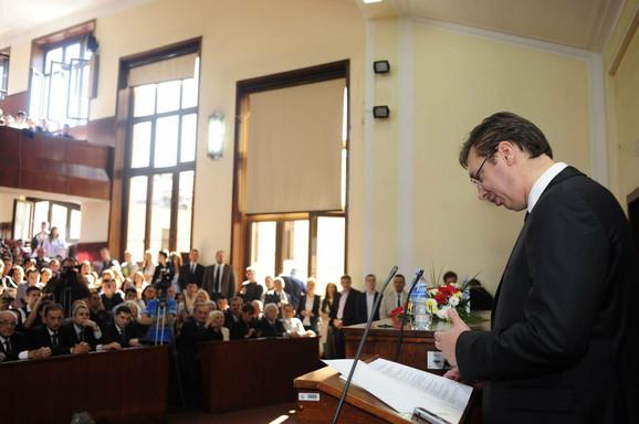 Aleksandar Vučić nakon 25 godina ponovo u amfiteatru