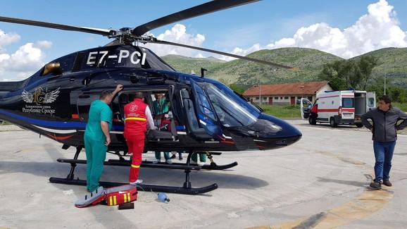 Ukrcavanje Ognjena Kuzmića u helikopter RS