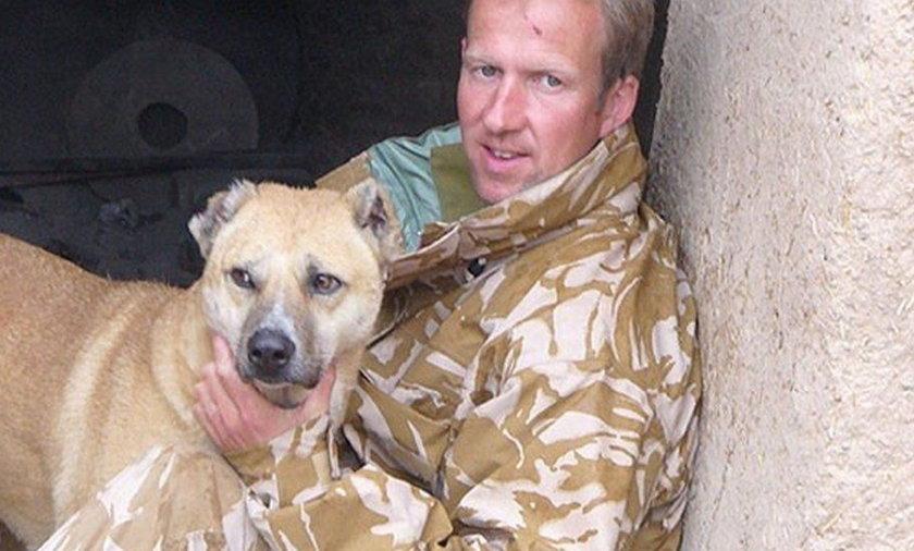 """Były żołnierz królewskiej piechoty morskiej Paul """"Pen"""" Farthing prowadził w Kabulu schronisko dla zwierząt."""