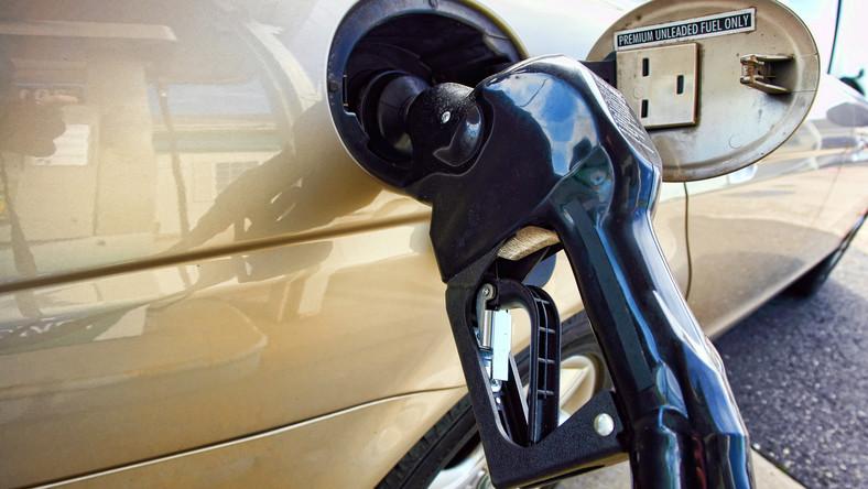 Miliony litrów fałszywego paliwa trafiło do baków
