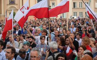 Poseł PiS chce ścigania uczestników lipcowych protestów przed sądami