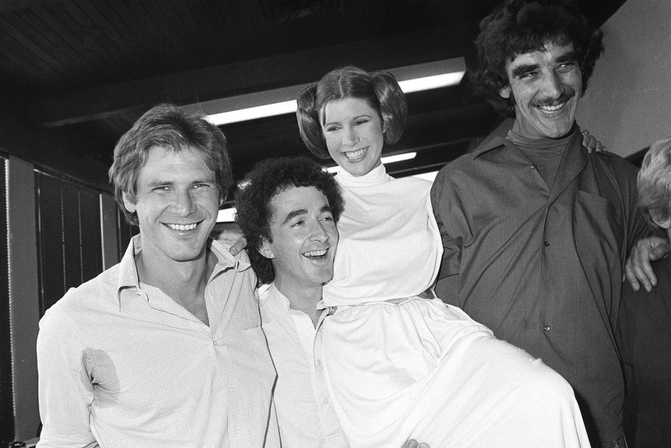 Anthony Daniels, Carrie Fisher, Harrison Ford i Peter Mayhew w 1978 roku