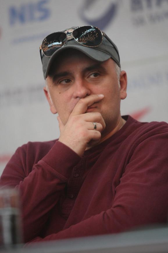 Reditelj:Dejan Zečević