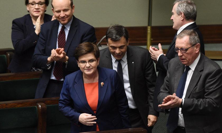 Premier Szydło może się cieszyć