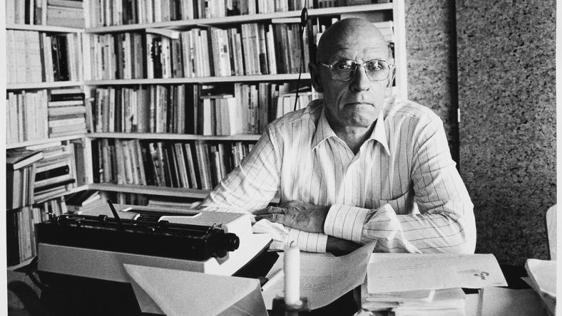 Michel Foucault w swoim domu w 1984 r.