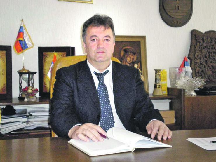 Milionska pronevera Milutina Jeličina Jutke, a nedomaćinsko poslovanje Opštine Brus se i dalje nastavlja!