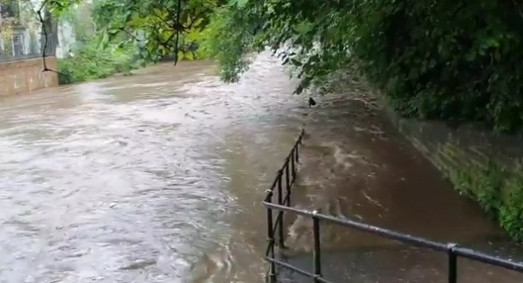 Edinburg poplave sc ostaslo
