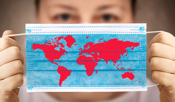 W krajach, które (jak mogło się wydawać) skutecznie poradziły sobie z poprzednimi falami pandemii albo były na dobrej drodze do tego celu, wciąż pojawiają się nowe zachorowania