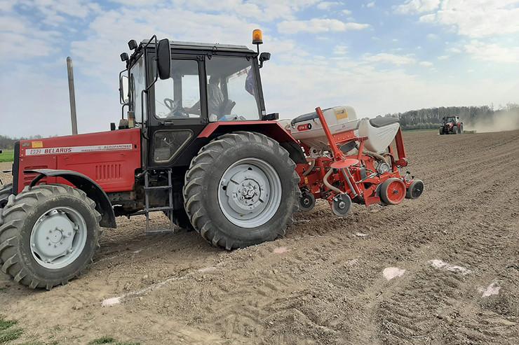 Poljoprivreda traktor setva