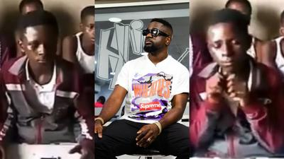 Sarkodie thrilled as school children perform his new song word for word (VIDEO)