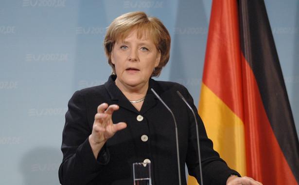 """Pisząc o zmianie polityki Niemiec, autor tekstu twierdzi: """"Nie jest to jeszcze pełna doktryna Europy w chaotycznym świecie, ale pierwszy krok""""."""