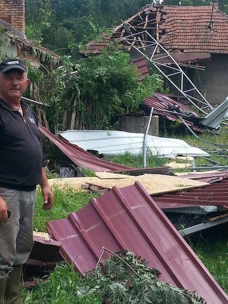 486531_roanda-tornado