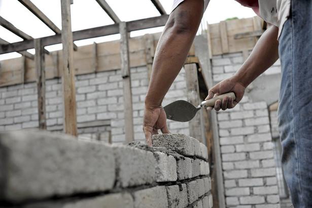 W Hiszpanii brakuje pracowników w budowlance