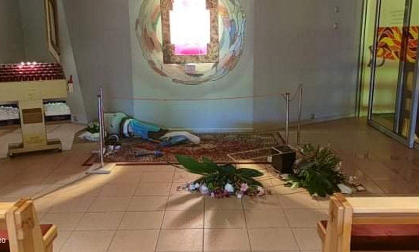 Wandal zniszczył kościół w Koninie.