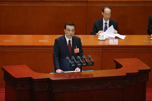 Premier Chin Li Keqiang podczas wystąpienia