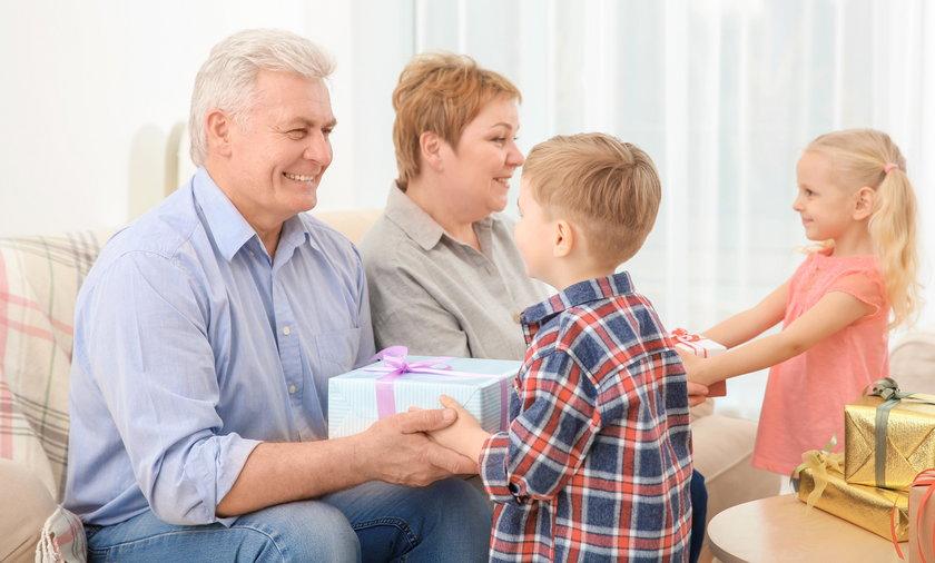 5 pomysłów na prezenty dla babci i dziadka