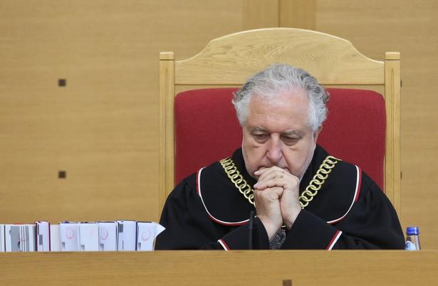 Prezes TK Andrzej Rzepliński podczas ogłoszenia wyroku