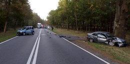 Czołowe zderzenie młodych kierowców. Na prostej drodze!