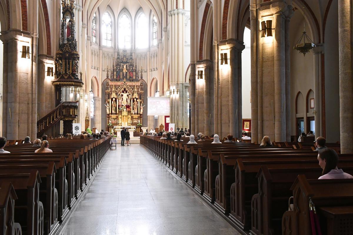 Mściwy Bóg polskich biskupów. Hierarchowie ostatnio głównie sieją lęk i szukają wrogów. Dlaczego?