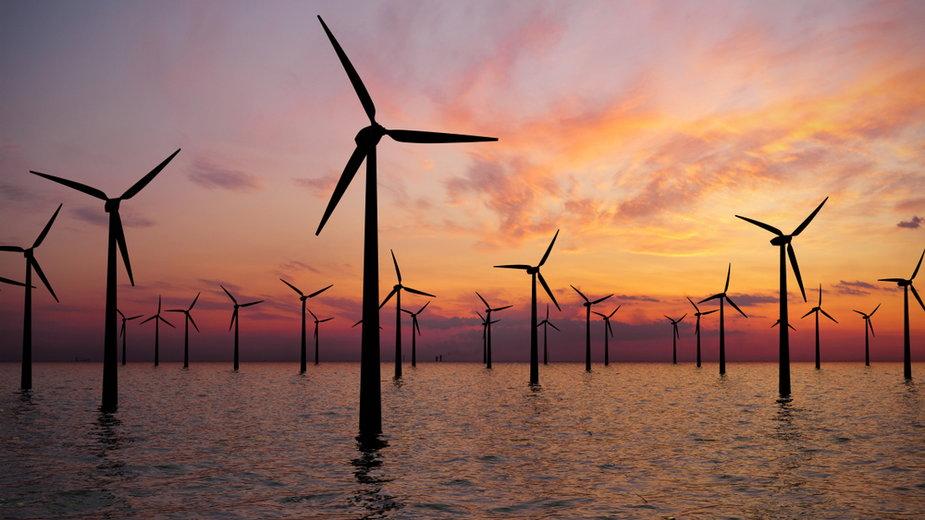 Elektrownia wiatrowa na morzu (ilustracyjne)