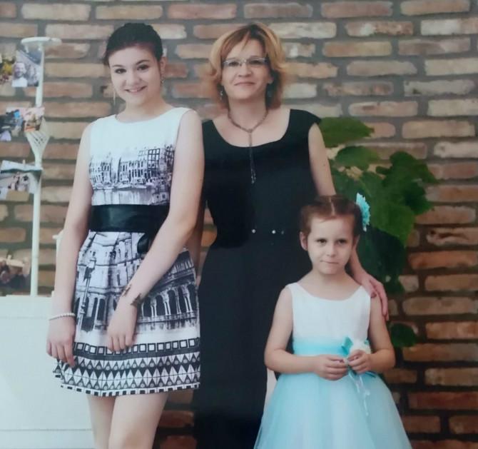 Slobodanka Radojčić sa ćerkama
