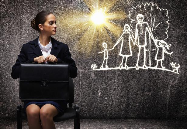 Kobiety, które zrezygnowały z kariery i zawodowo zajęły się wychowywaniem swoich dzieci. Tak, zawodowo, bo słusznie domagają się, by ich praca została w końcu doceniona