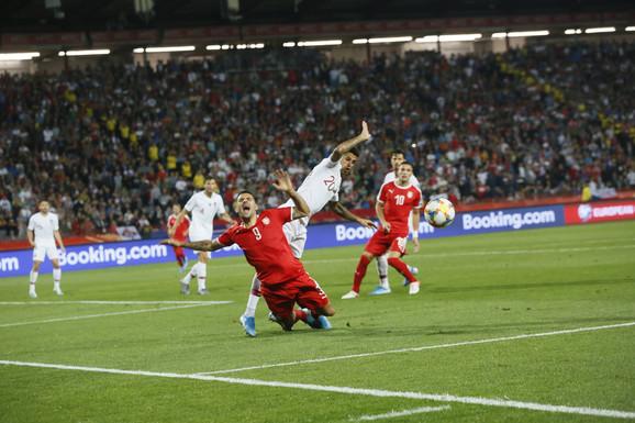 Trenutak kad je Mitrović tražio penal
