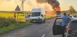 Pożar na drodze w powiecie polkowickim. Autokar stanął w ogniu!