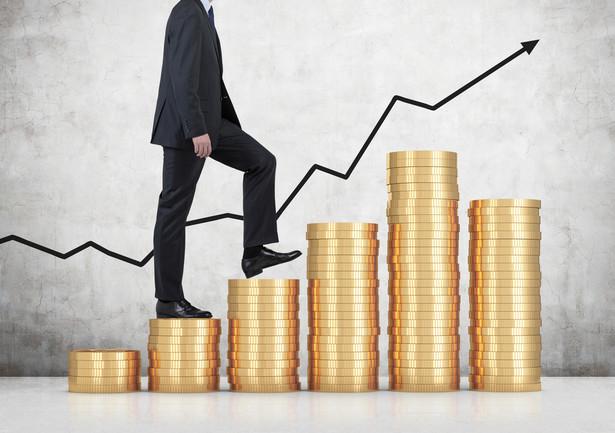 W co inwestować? Wiele zależy od naszego wieku