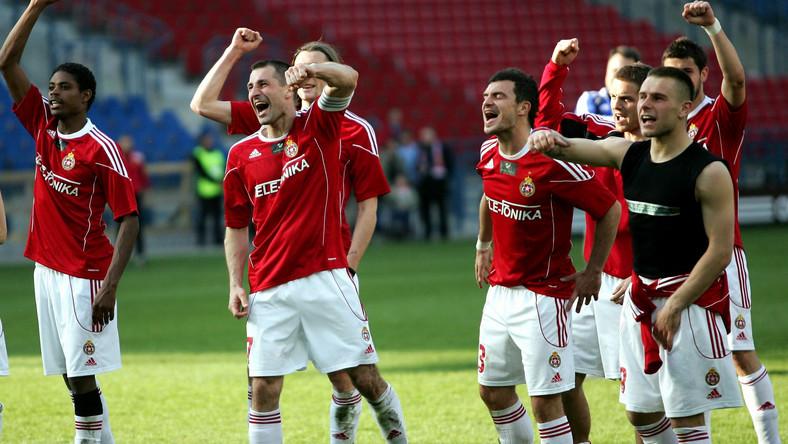 Piłkarze Wisły cieszą się po meczu z Jagiellonią