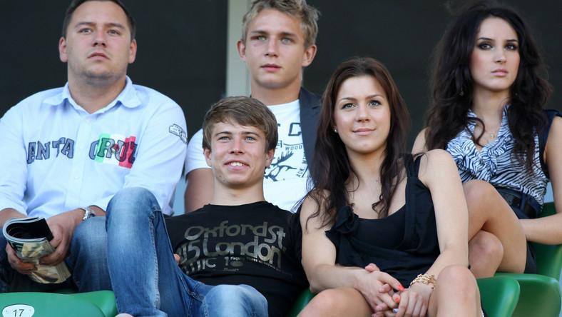 Jakub Kosecki i jego dziewczyna (na dole)