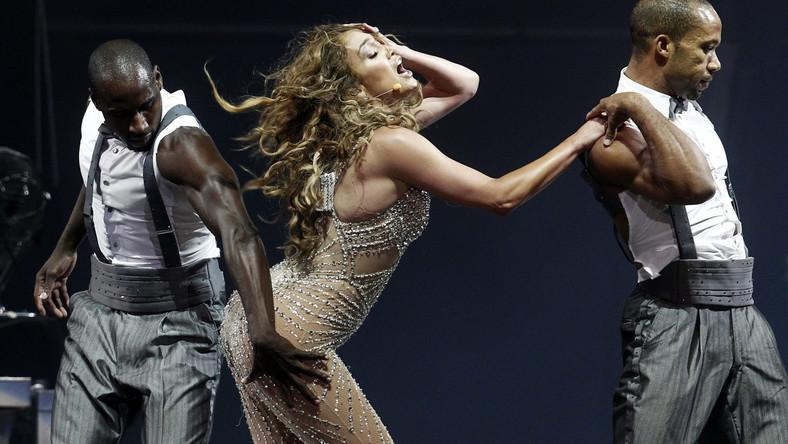 """Światowa trasa J.Lo odbywa się pod hasłem """"Dance Again"""" i promuje jej ostatni krążek. Pierwszy etap obejmuje Amerykę Południową. 14 lipca rozpoczną się koncerty w Ameryce Północnej, a na jesieni – w Europie"""