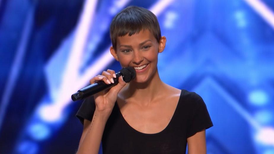 """Jane Marczewski podczas występu w amerykańskim """"Mam Talent"""""""