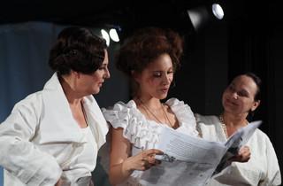 """O kobietach, które powiedziały 'dość!'. Spektakl """"One same"""" w Teatrze Żydowskim"""