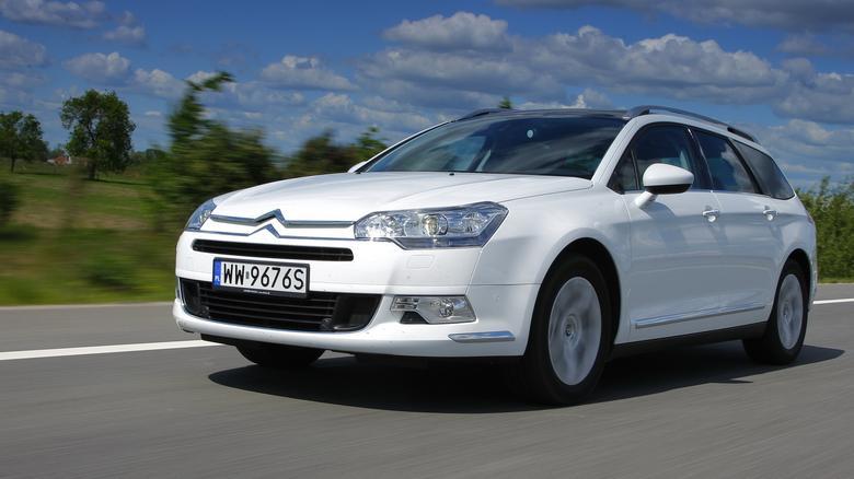 Odmiana kombi jest bardzo popularna, podstawowe C5 jest sedanem.