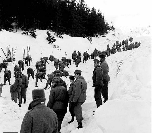 Akcja ratunkowa po zejściu lawiny w Białym Jarze, Karkonosze, 20 marca 1968 r.