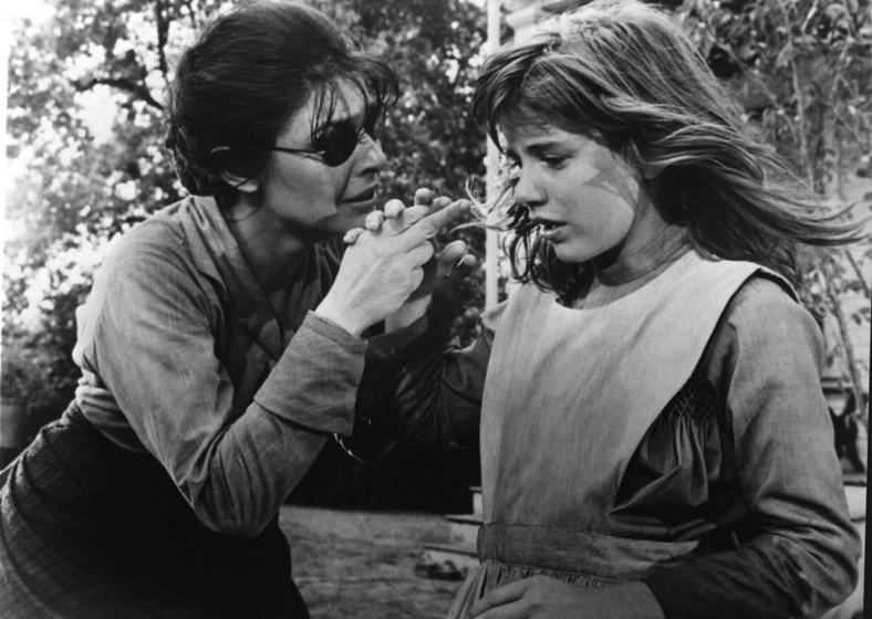 """Patty Duke i Anne Bancroft w filmie """"Cudotwórczyni"""""""
