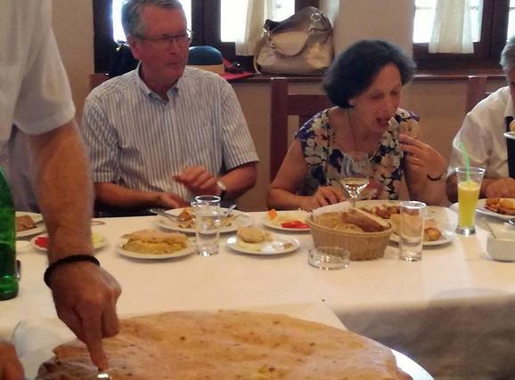 Iznenađenje za Rusa: Čepurin uživao u užičkom kulinarskom brendu