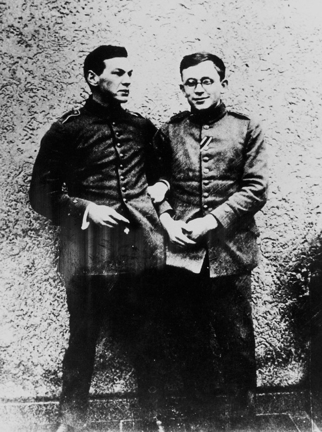 Rihard Zorge (levo) i hemičar Erih Korens 1915. godine